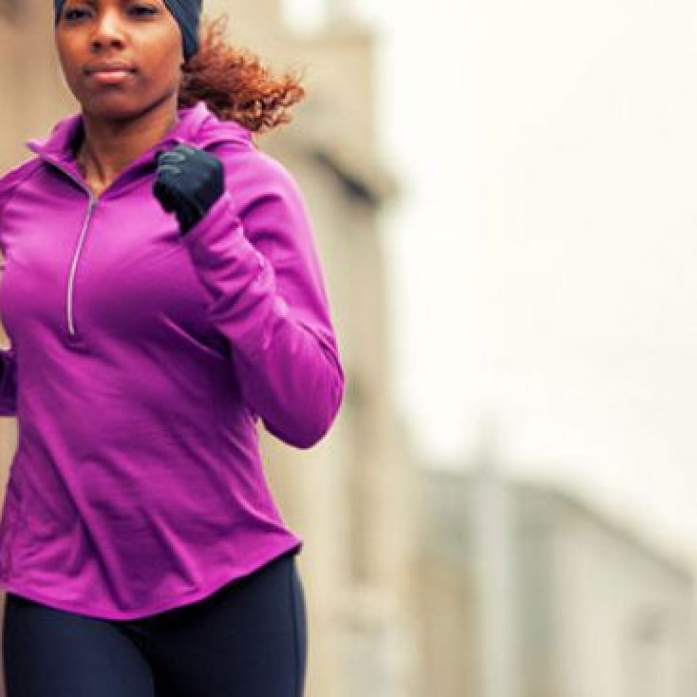 Cold weather and seasonal depression can affect your workout motivation a lot. But what if I told you it was still possible to get in shape, hit the gym, achieve your weight loss goals, but most importantly stay healthy during the winter. Here are really motivating fitness tips to keep working out even when its cold or snowy outside. By Flourish-ious.com